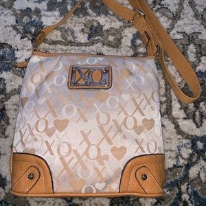 XOXO Tan and and White Cross Body Bafx